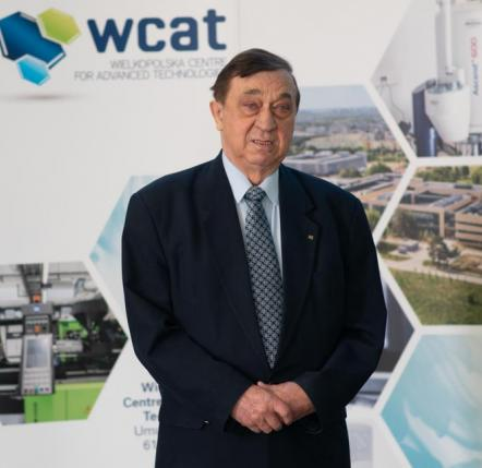 prof. dr hab. Bogdan Marciniec